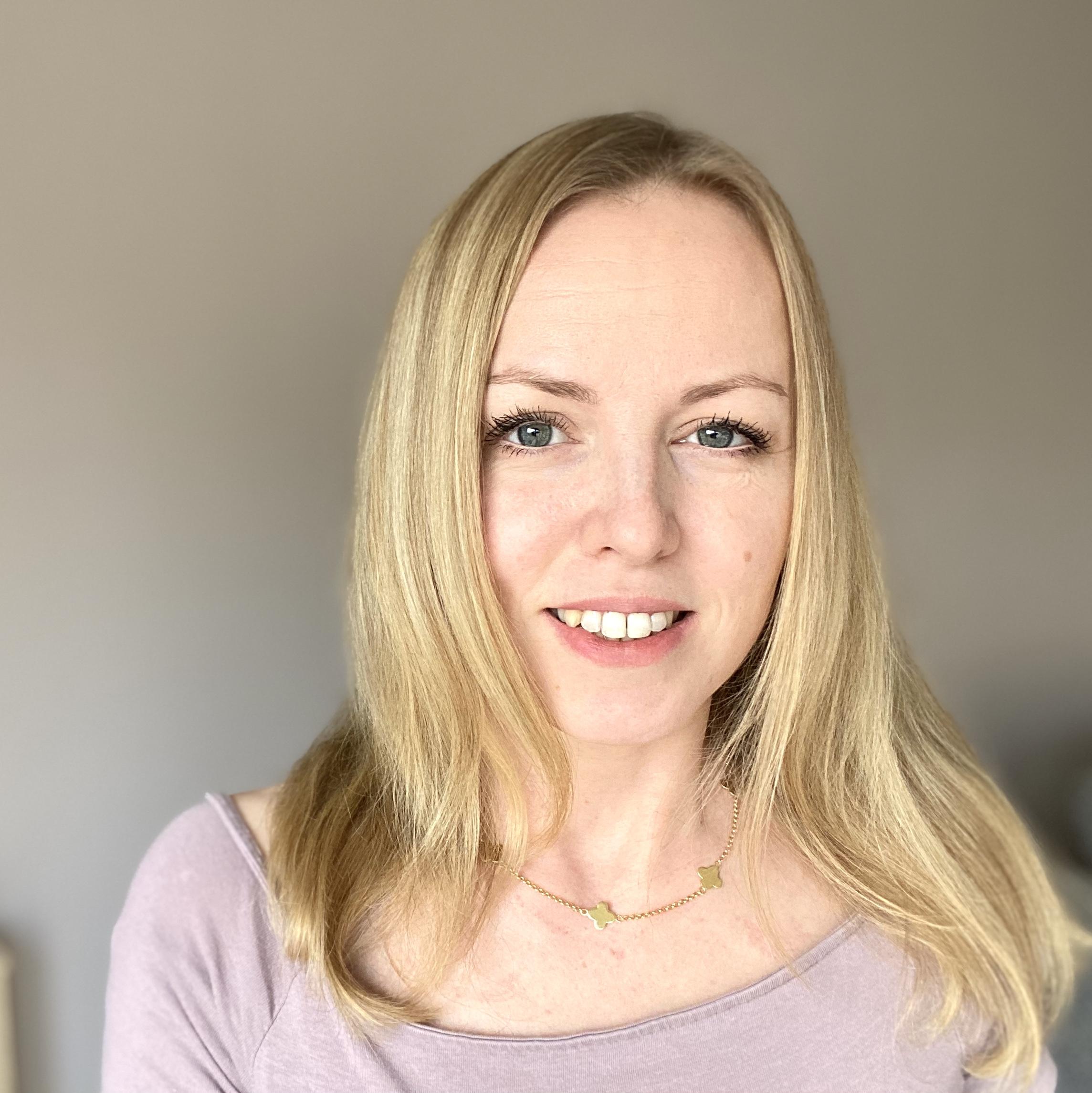 virtuelle Assistentin Monika Alexander